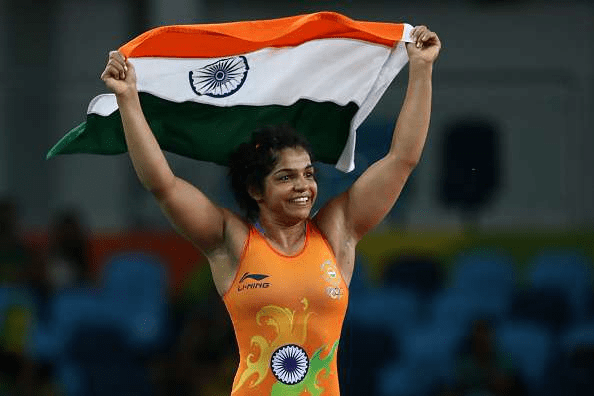 sakshi-malik-of-india-celebrates-wefornewshindi