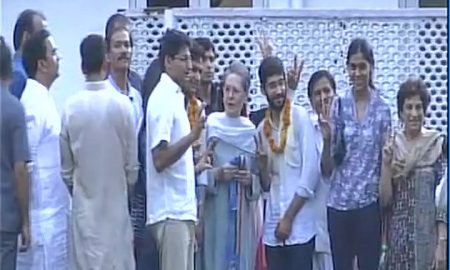 DUSU election winner with sonia gandhi photo credit ANI
