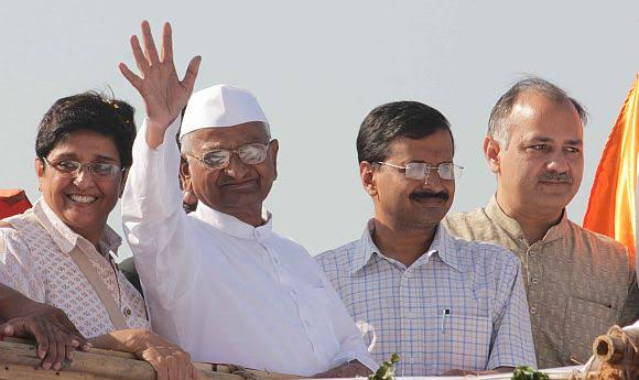 Anna-Movement-Kiran-Bedi-Anna-Hazarey-Kejriwal-and-Sisodia